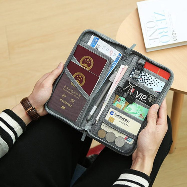 seyahat severlere hediye önerisi cüzdan