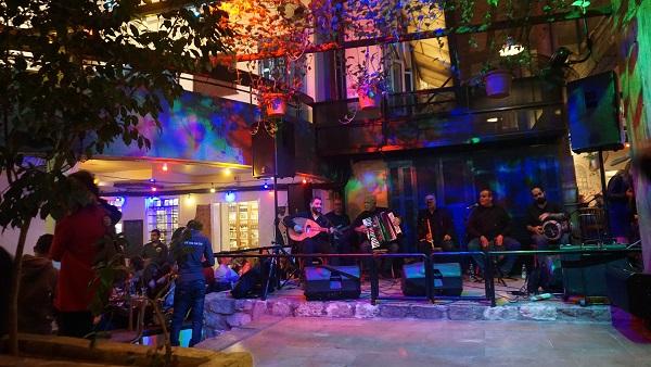Beyrut gece hayatı cafe Em Nazih