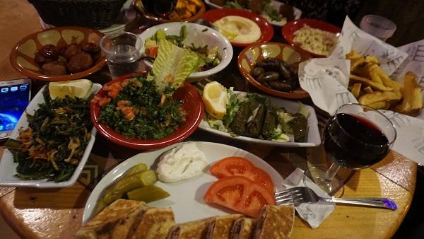 Beyrut mezeleri Cafe Em Nazih