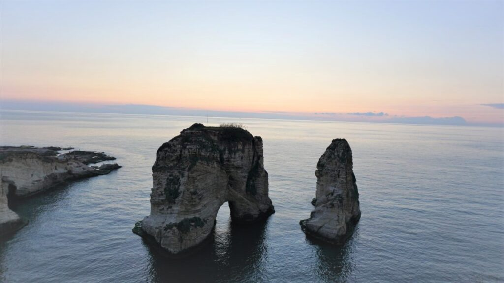 lübnan güvercin kayalıkları