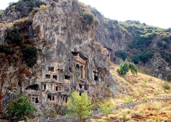 fethiye gezilecek yerler amintas kaya mezarları