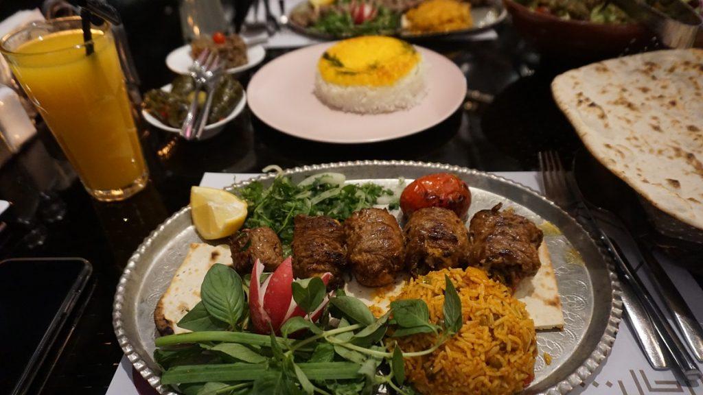 tahran darband roast restaurant