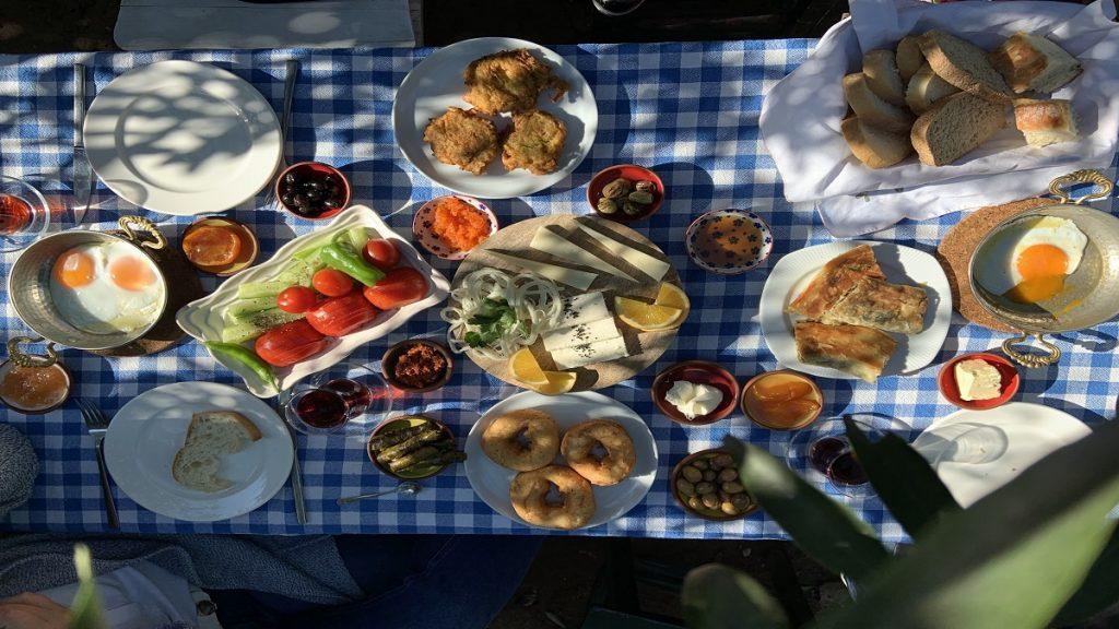 bodrum kahvaltı mekanları kuytu bahçe