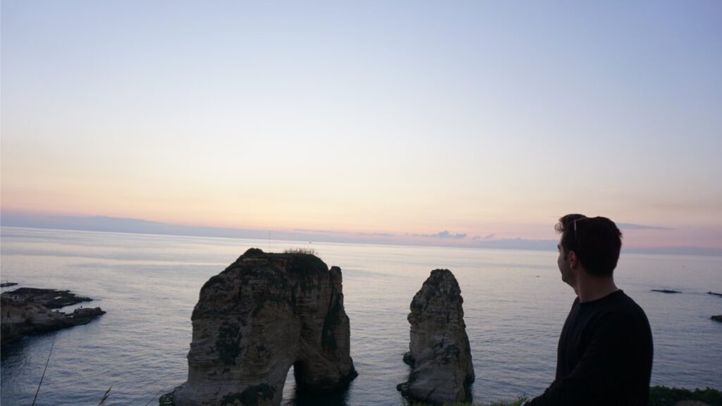 beyrut turistik yerler güvercin kayalikları