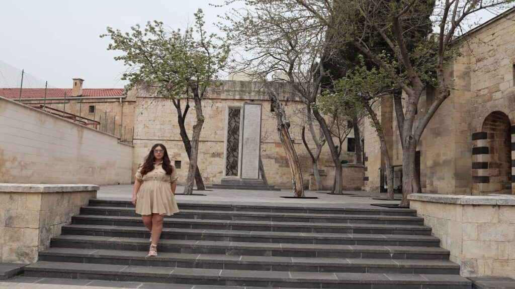 gaziantep merkez gezilecek yerler şehit kadınlar anıtı