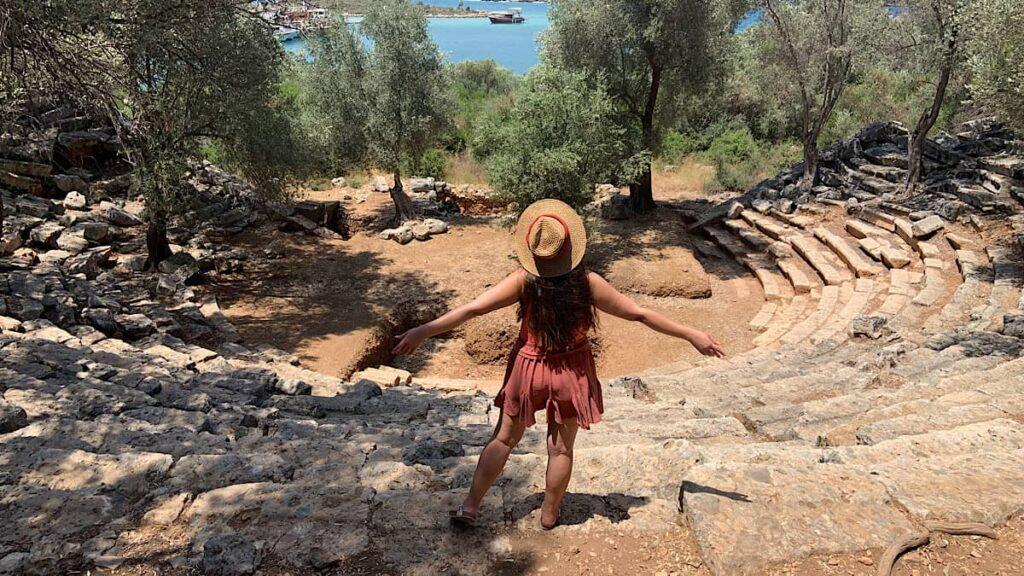 sedir adası antik tiyatrosu